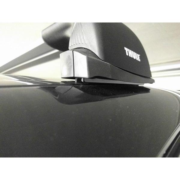 Напречните греди Thule WingBar Edge за монтаж на фабрични надлъжни интегрирани  рейлинги или за монтаж на фиксирани точки на тавана на автомобила.