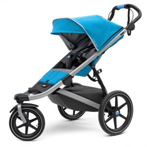 Спортна детска количка за джогинг Thule Urban Glide 2 в синьо за бягане с помпащи се гуми, маневрена, високо проходима за пътеки в гората или градината