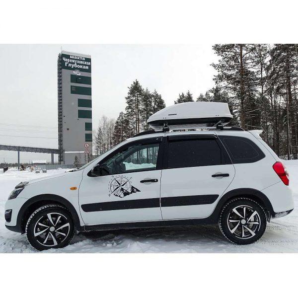 Автобокс Neumann Adventure 130 с обем 300 литра в бял гланц. Тих, красив и аеродинамичен багажник, куфар за багаж за малка или голяма кола, комби, джип.