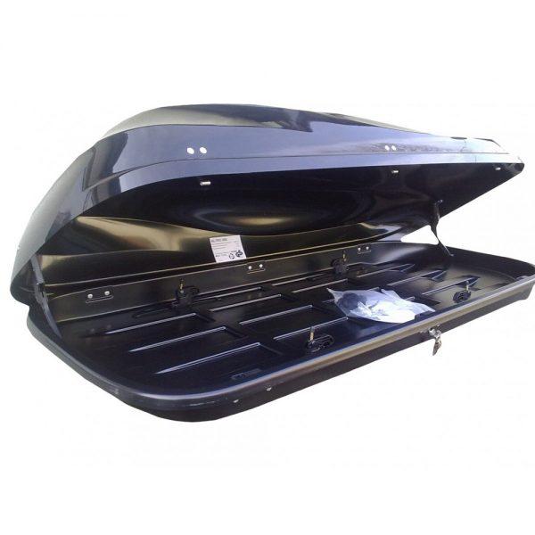 Автобоксът Junior Altro 500 Dual е черен багажник в металик лак красива и тиха кутия с модерен дизайн голям обем, луксозен дизайн и отлична аеродинамика.