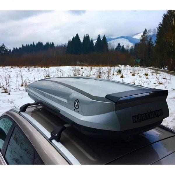 Багажник Автобокс Northline Tirol 420 сив е тих луксозен красив и подсилена стомана кутия за ски багажник модерен дизайн голям обем перфектна аеродинамика