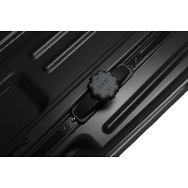 Автобоксът Thule Force XT Sport черен мат е компактен и голям багажник с обем 300 литра и размери 190 x 63 x 42 см за автомобил, кола за багаж ски сноуборд