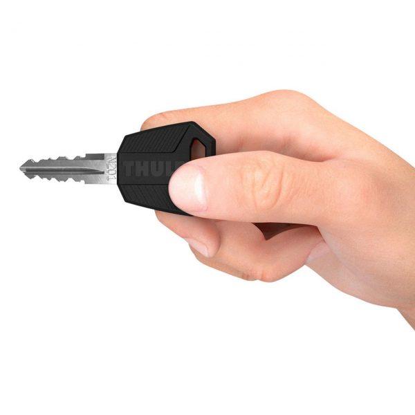 Инсталирайте или заменете всички заключващи секретни патрони на вашите багажници или аксесоари Thule и използвайте един и същ ключ за всички с новия комплект Thule One Key System 450*00.