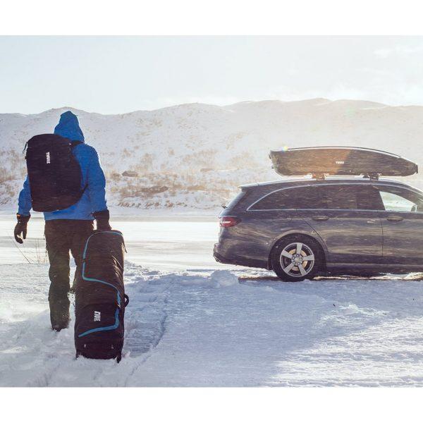 Универсален сноуборд багажник с колелца Thule RoundTrip Snowboard Roller, чанта, сак, калъф за пренасяне на една дъска и обувки с непромокаема подплата и цип
