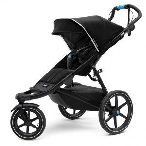 Спортна детска лятна количка за джогинг Thule Urban Glide 2 в черно за бягане с помпащи се гуми, маневрена, високо проходима за пътеки в гората и градината