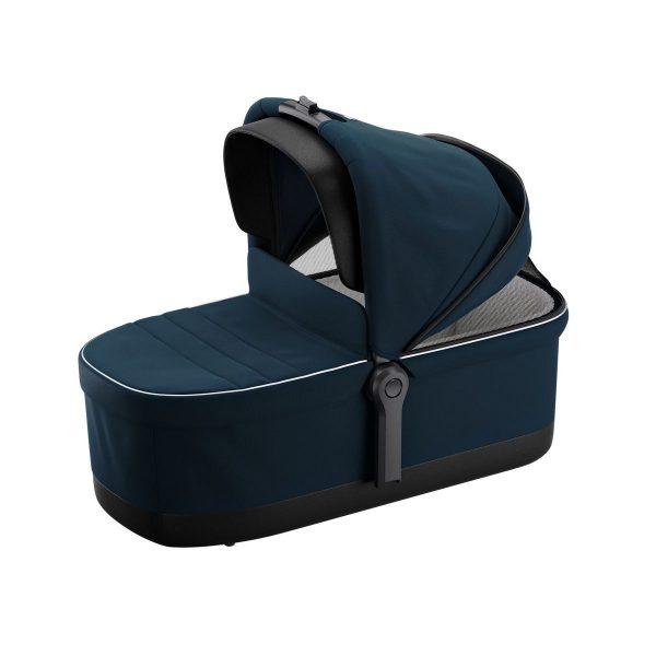 Кош за новородено Thule  Sleek Bassinet Grey Melange 0 - 6 за детска количка Thule Sleek е голям и удобен кош с мек матрак с дъждобран и кит за монтаж