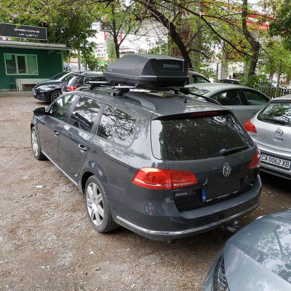 Автобокс Neumann Adventure 130 с обем 300 литра в черен мат антрацит. Тих, красив и аеродинамичен багажник, куфар за багаж за малка или голяма кола, комби, джип.