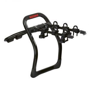Вело багажник за три колела Yakima FullBack 3 e лесен за монтаж багажници за велосипеди с монтаж на багажната врата посредством колани с модерен и хубав дизайн в черен пиано лак