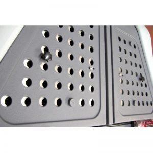 Комплект Решетки с Отвори за Багажник TowBox V2 Dog T2B0004 за регулира степента на запушване на фабричните отвори на багажник TowBox V2 за животни DOG