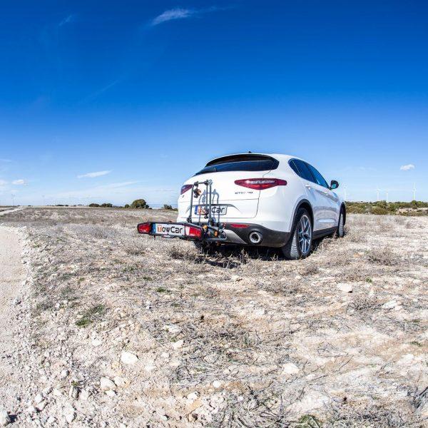 Вело багажник за две колела TowCar TR2 е здрава платформа, сигурен, стабилен, масивен и лесен за използване багажник за велосипеди с монтаж на теглич със заключване, накланяне