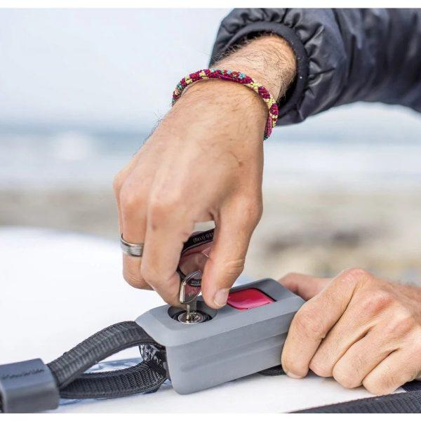 Заключващ колан за каяк Yakima RipCord 8004048 за заключване на вашия каяк към багажника или напречните ви греди, подсилен със стоманена жица.